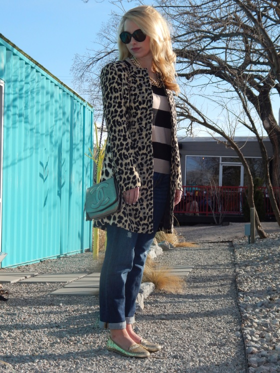 Top: Forever 21, Coat: Sheinside, Jeans: Gap Boyfriend, Loafers: Steve Madden, Bag: Vintage Chanel